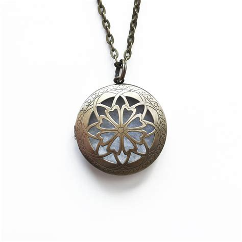 Aromatherapy Locket Necklace aromatherapy diffuser locket necklace for essential oils