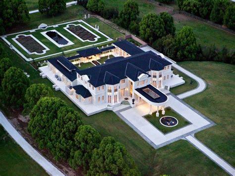 property designer giving up his 8 million gold coast blockbrief blog developer lists grand gold coast estate