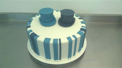 Wedding Cake with Top Hats   Contemporary Cake Designs