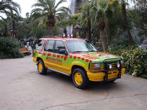 jurassic vehicles file jurassic park car jpg