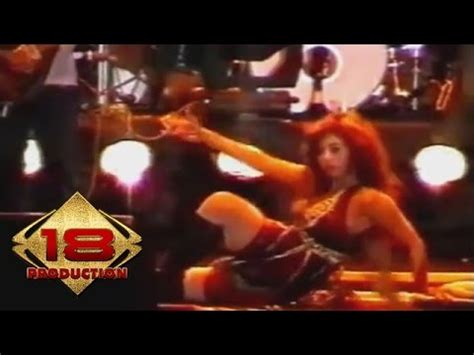 despacito new palapa dewi persik bintang pentas live konser bengkulu 23 a