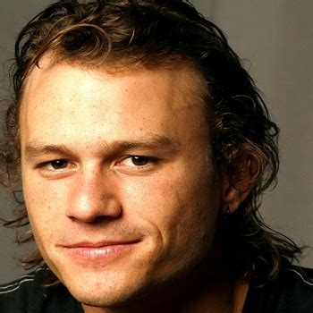 biography book on heath ledger heath ledger bio born age family height and rumor