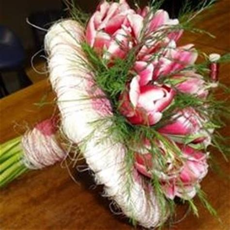 fiori da regalare a una ragazza fiori laurea regalare fiori