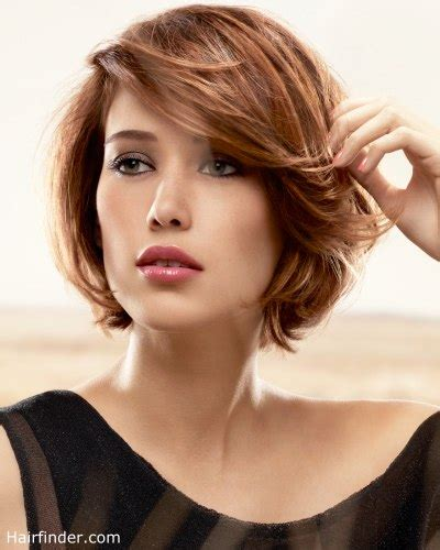 out curved bob short layered bob with feathering and ends that are curved