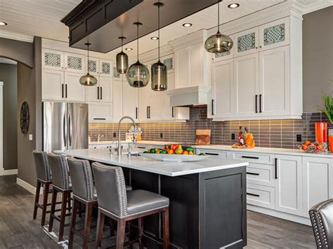 kitchen island pendant lights how many pendant lights should be used a kitchen island