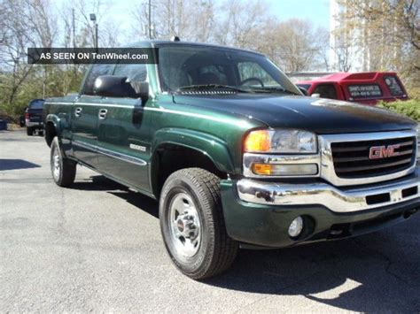gmc and chevy the same 2004 gmc 2500 sle crew cab 4 door 6 0l