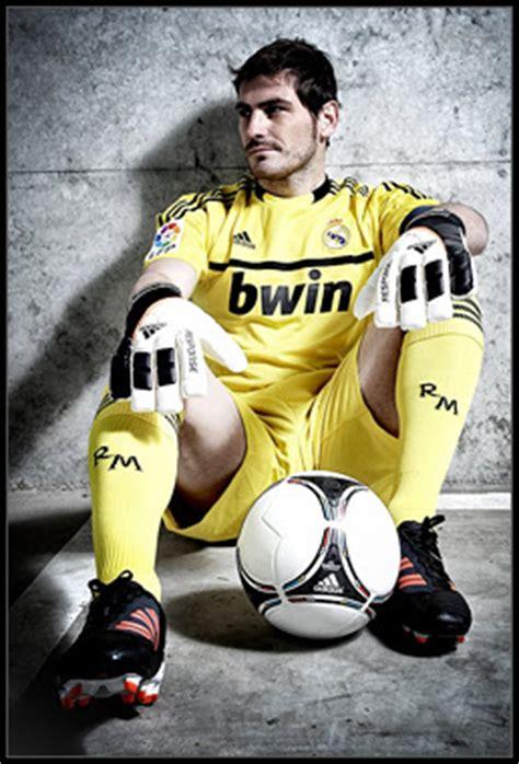 Sarung Tangan Kiper Yang Bagus Apa seputar goalkeeper