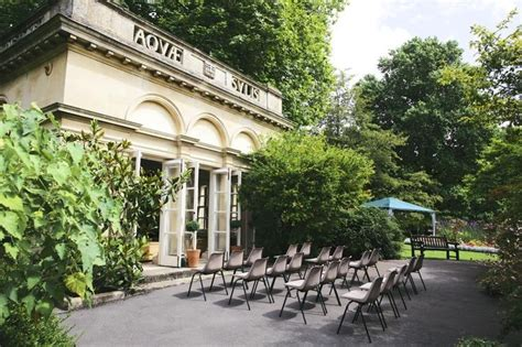 Bath Botanical Gardens Setting Up For The Wedding In The Temple Of Minerva Bath Botanicalgardens