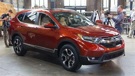 Honda Cr V Production by 2017 Honda Cr V Production Gets Rolling In Ohio