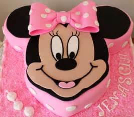 mini maus kuchen delana s cakes minnie mouse cut out cake