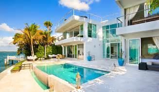Home Styles The Orleans Kitchen Island Miami Villa Rentals Miami Beach Luxury Mansions