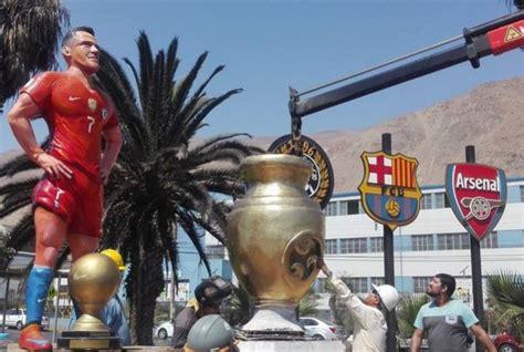 Alexis Sanchez Statue | arsenal news alexis sanchez statue unveiled in chile