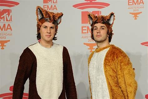 what does sog ylvis the fox what does the fox say song meaning