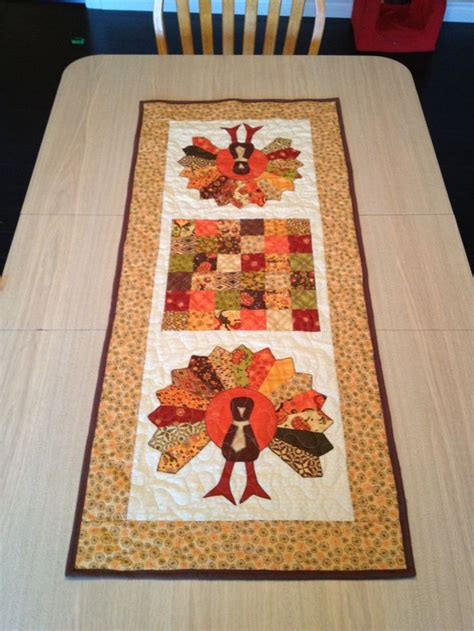 thanksgiving table runner quilt patterns 32 best images about sewing thanksgiving on