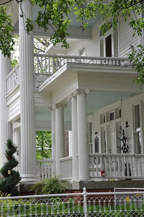 southern plantation decorating style front porch texas southern plantation homes pinterest