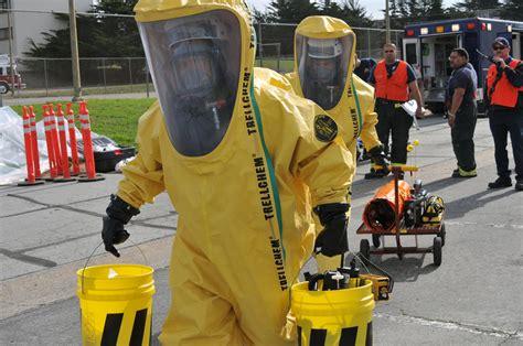 Haz Mat by Ebola In America U S Government Orders 250 000 Hazmat