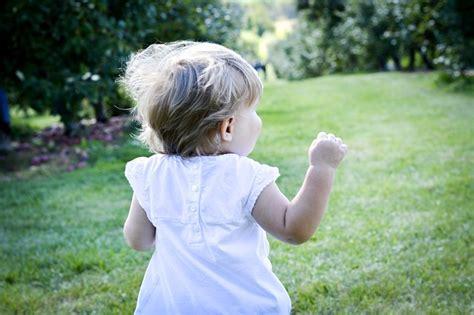 Lauflernschuhe Ab Wann Werden Sie Bei Kindern Ben 246 Tigt