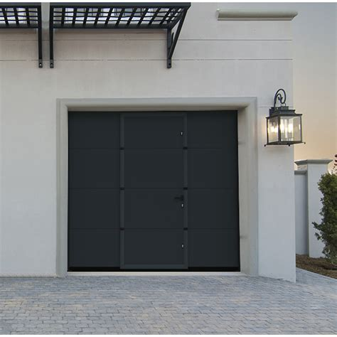 porte de garage sectionnelle avec portillon lisse grise porte sectionnelle avec portillon