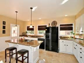 Shaped Small Space Effectively Creating Eat Kitchen l shaped kitchens hgtv
