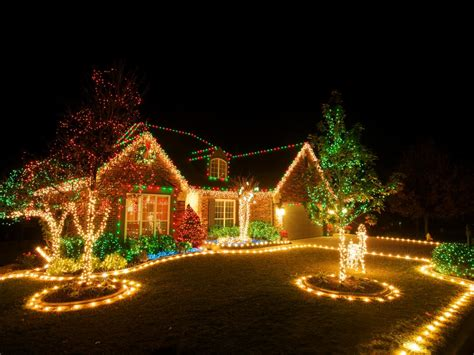 how to hang christmas lights diy