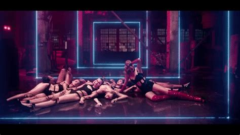 taylor swift lwymmd cat mask watch zombie taylor swift rise from the dead in her look