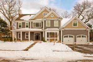 Traditional 2 Story House Plans by Traditional House Plans Houseplans Com