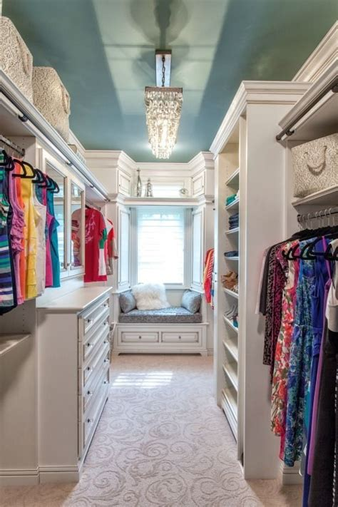 Walking In Closet Ideas by Best 25 Walking Closet Ideas On Walk In