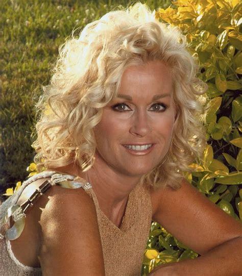 lorrie morgan pictures countrymusicperformers com country singer lorrie morgan favorite celebrities