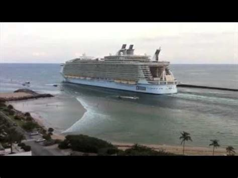 big boat show in florida world s largest cruise ship sucks the water off fort