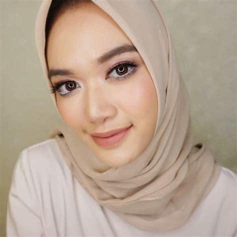 tutorial makeup dhana xaviera butuh ide make up intip gaya 5 beauty blogger hijab ini