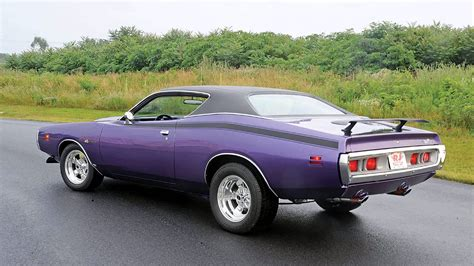 1971 dodge charger design history specs