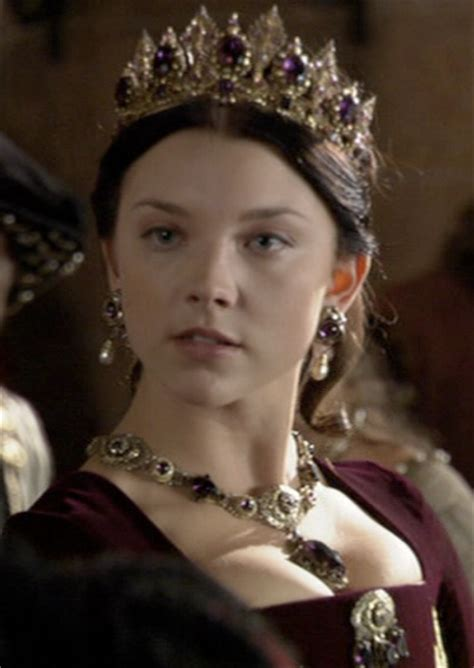 natalie dormer as boleyn natalie dormer fashion in burgundy