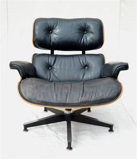 eames lounge chair sale eames 670 lounge chair in rosewood for sale at 1stdibs