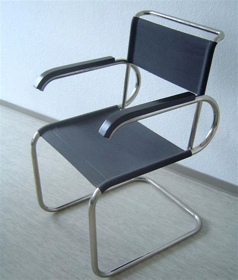 Cantilever Chair by Cantilever Chair