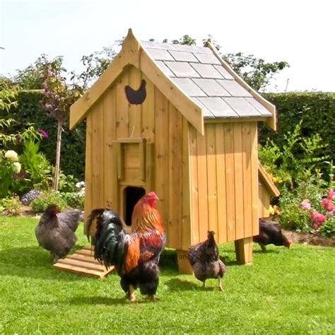hen house the fantasia hen house luxury chicken coop