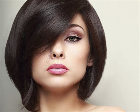 short haircuts to make hair look thicker make your fine hair look thicker with these gorgeous haircuts