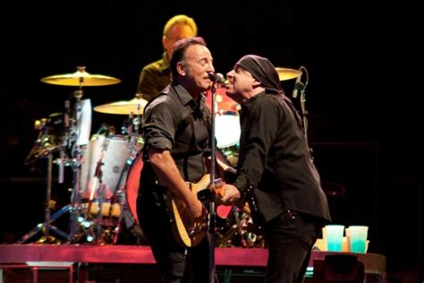 bruce springsteen verified fan bruce springsteen i fan italiani devono aspettarsi l