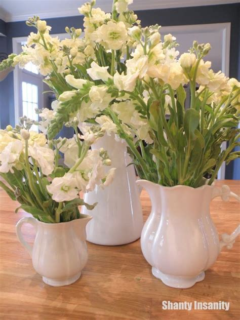 floral centerpieces for kitchen tables 25 best ideas about dining room table centerpieces on