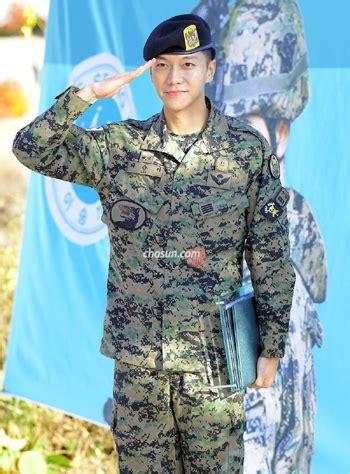 lee seung gi military unit lee seung gi completes military service the chosun ilbo