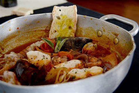 cucinare brodo di pesce la zuppa di pesce aifb