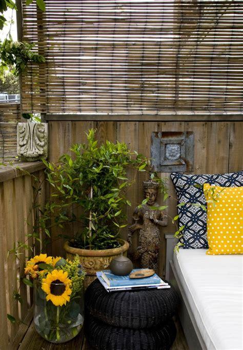 Bien Decoration Jardin Zen Exterieur #2: treillis-de-jardin-bambou-espace-zen-d%C3%A9co-coussins-d%C3%A9coratifs.jpg