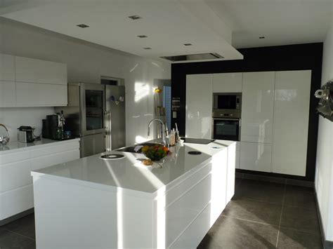 cuisine blanche avec ilot central cuisine blanc laque avec ilot systembase co