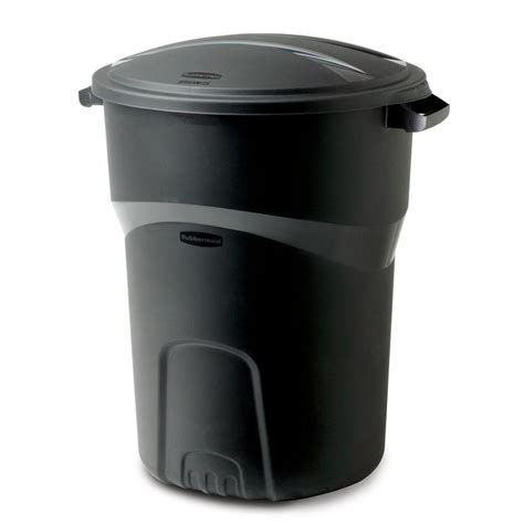 rubbermaid trash rubbermaid roughneck 32 gal black trash can with