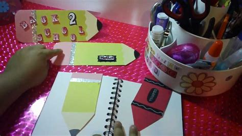 nuevos distintivos para el primer dia de clase o para cualquier manualidades para regreso a clases tarjeta marca paginas