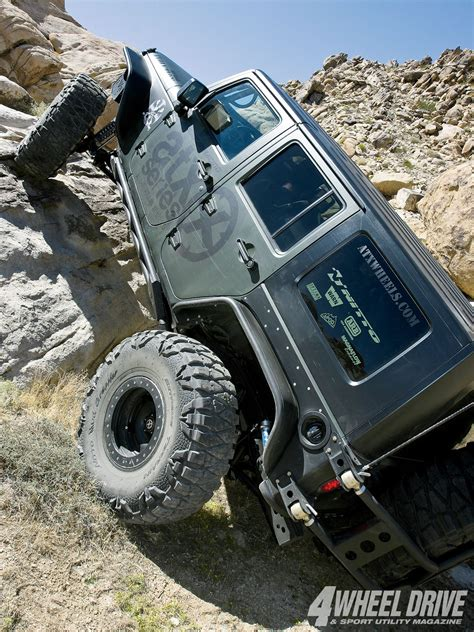 jeep jk rock crawler valley of the jeep beats on jeeps jeep