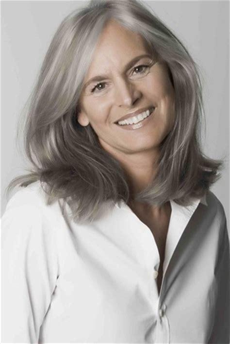 stunning gray hair styles  women wehotflash
