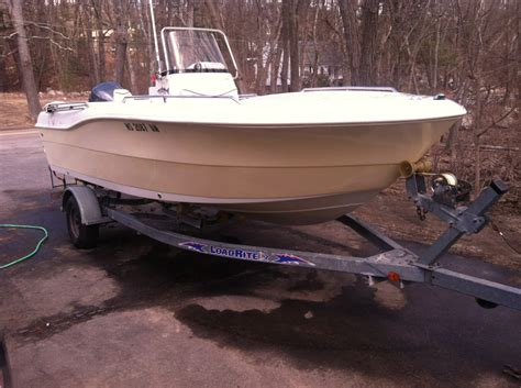 nada caravelle boats 2004 caravelle 20 center console low hours the hull
