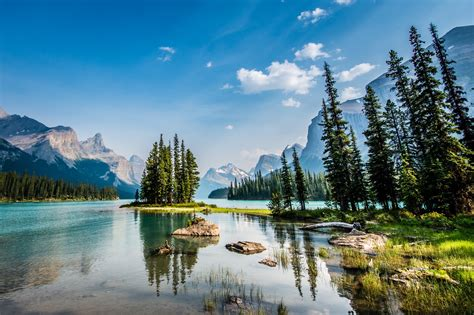 boat cruise jasper maligne valley sightseeing and boat cruise jasper alberta