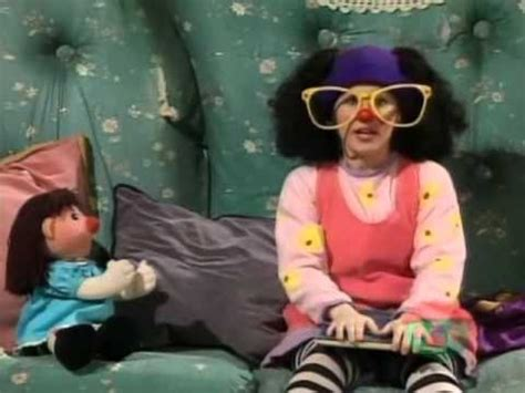 lunette from the big comfy couch youtube molly and the big comfy couch i used to lay on
