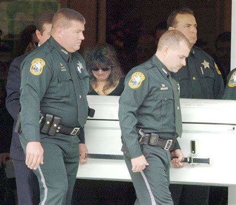 citrus county sheriff s office deputies carry the casket